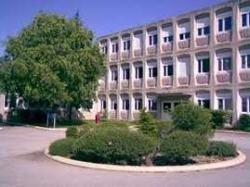Ecole publique mixte capouchiné II30000 Nîmes